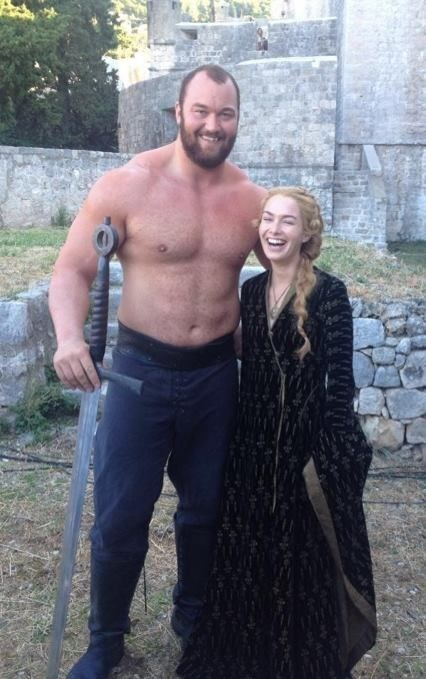 cersei lannister Game of Thrones The Mountain actual giant - 8167109120