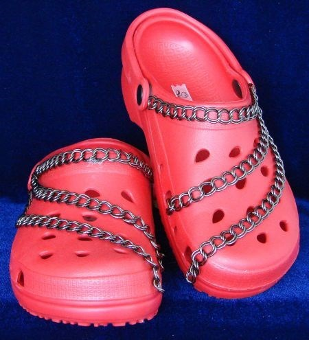 chain,crocs,shoes,poorly dressed