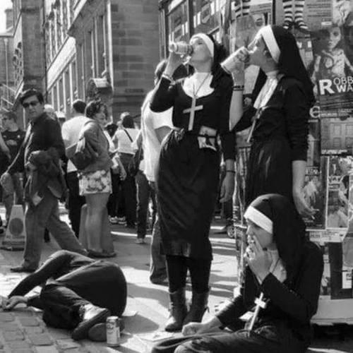 drunk nuns passed out funny - 8176051200