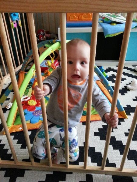 baby expression trapped parenting - 8178706688
