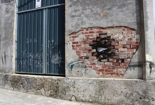 Street Art hacked irl illusion - 8185334784