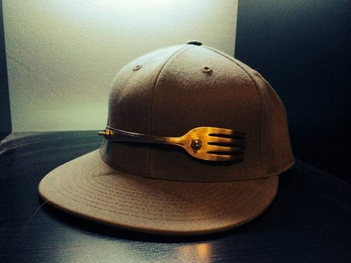 fork hat poorly dressed - 8203809792