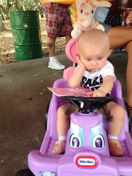 baby driving boredom parenting - 8205037312