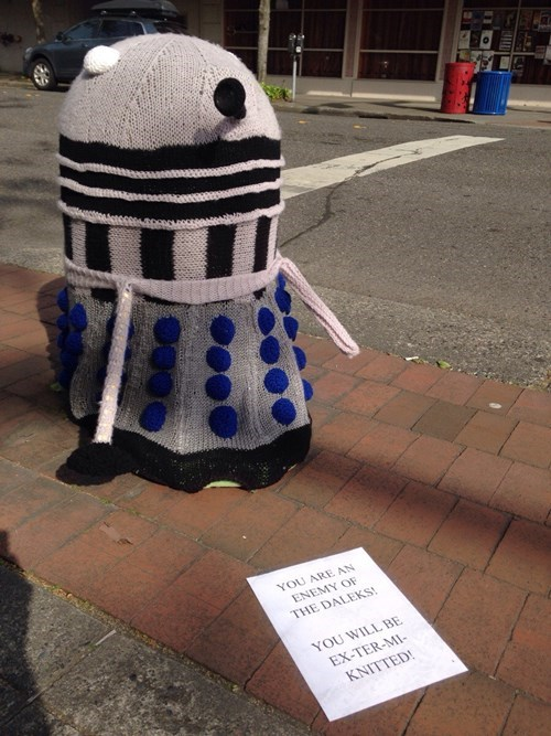 knitting daleks yarn