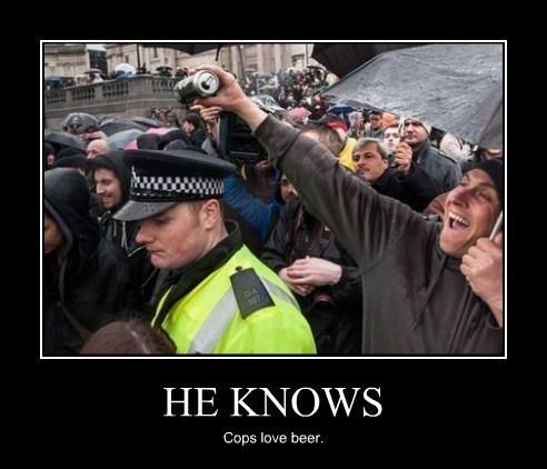 cops beer idiots funny - 8209076480
