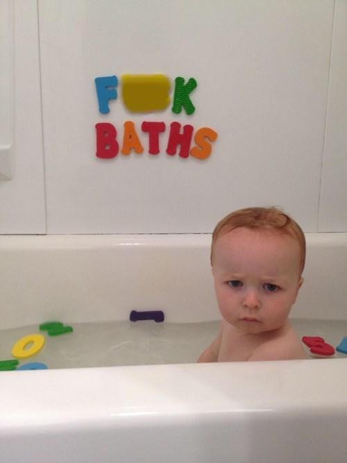baby,bath,parenting