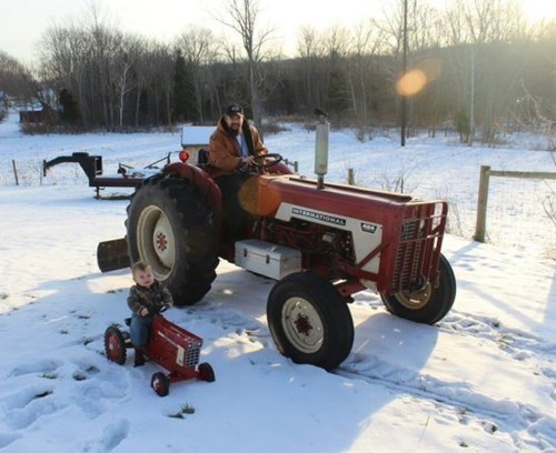 snow parenting tractor winter - 8226790656