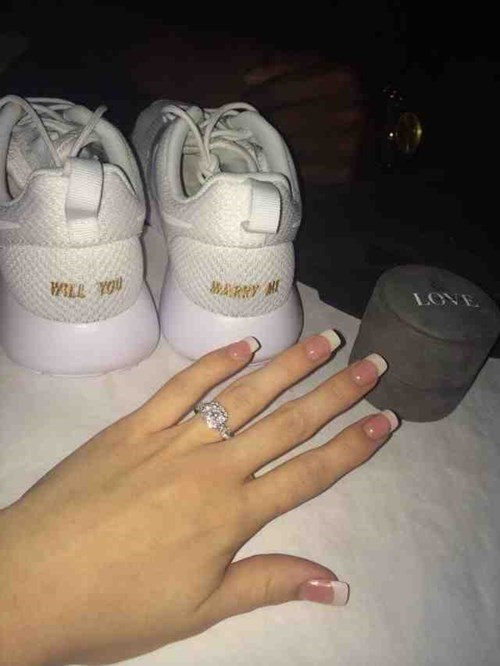 funny proposal marriage shoes dating - 8237102592