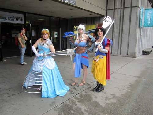 cosplay,disney princesses,keyblade