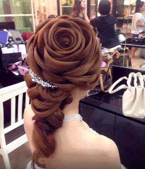 hair poorly dressed hairstyle wedding roses win - 8244882944