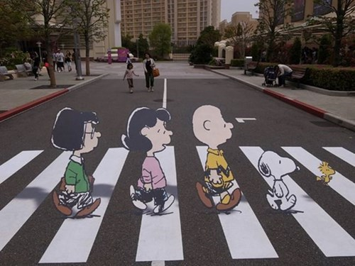 charlie brown peanuts Street Art hacked irl - 8250245120