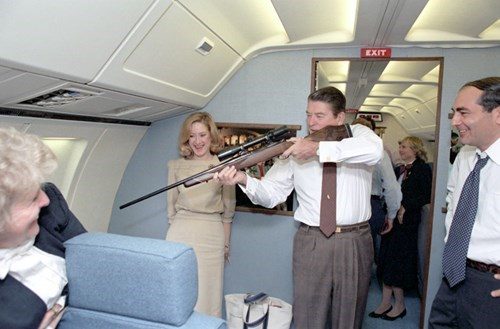 guns Ronald Reagan - 8251266048