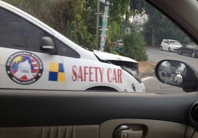 cars crash irony safety - 8259773952