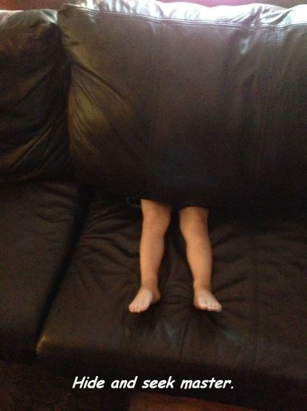 couch hide and seek kids parenting legs - 8264190208
