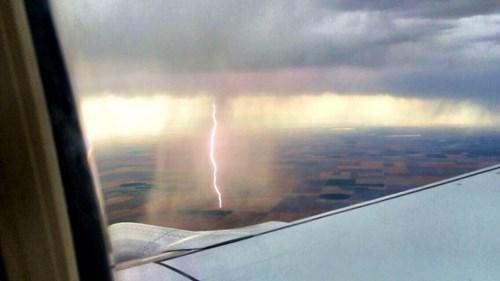 mother nature ftw krakoom lightning - 8267700480