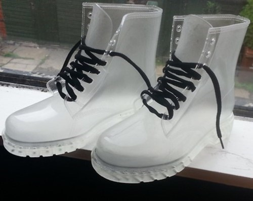 poorly dressed boots transparent - 8271511808