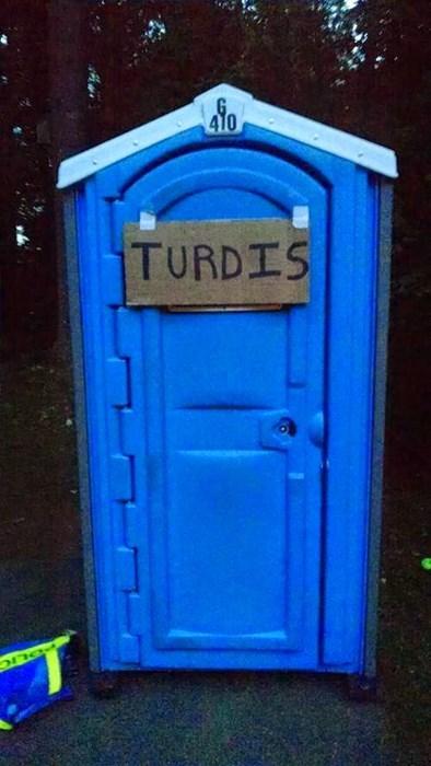 puns toilet tardis - 8275123456