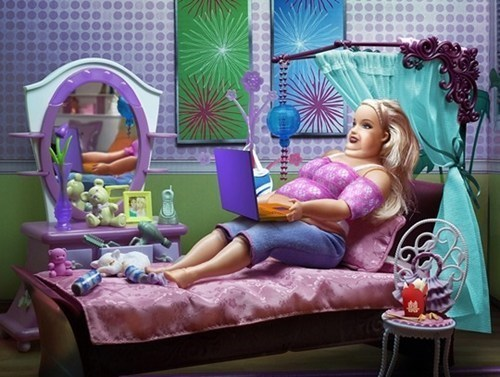 Barbie obesity - 8277002240