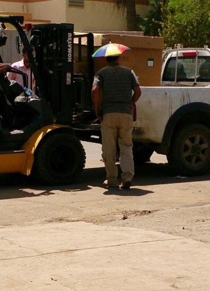 umbrella poorly dressed hat - 8282072064