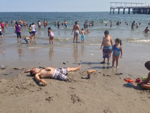 disability prosthetic beach prank - 8286836992