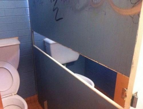 Awkward design bathroom - 8288205824