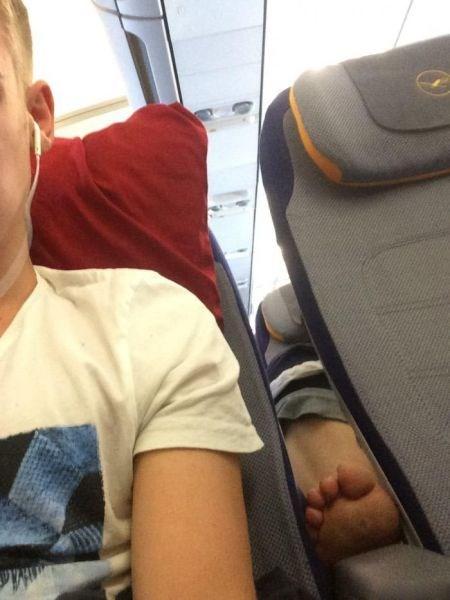 gross feet airplane flying - 8299052032