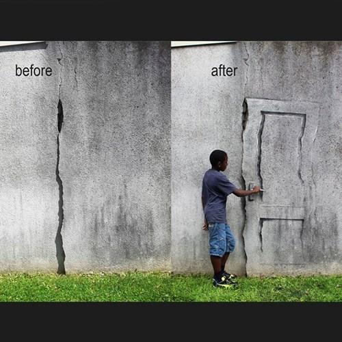 door Street Art hacked irl - 8300013312