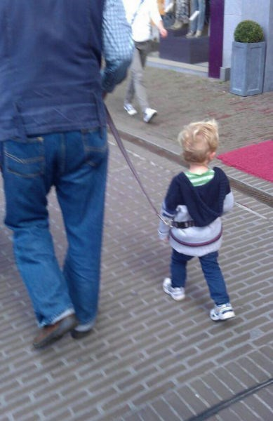 leash,kids,parenting
