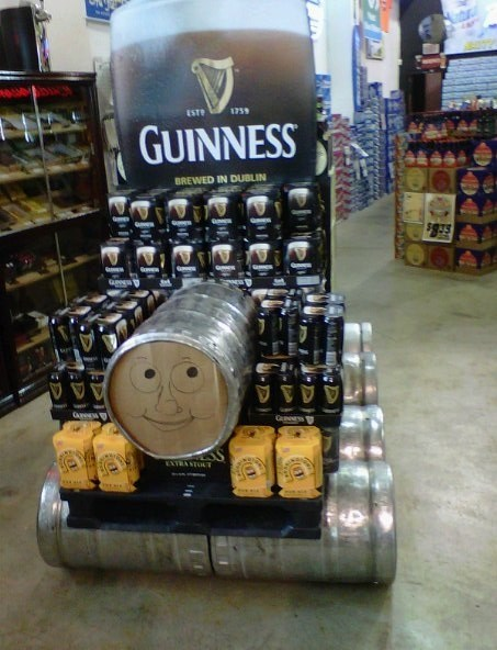 beer thomas the tank engine guinness funny - 8307833600