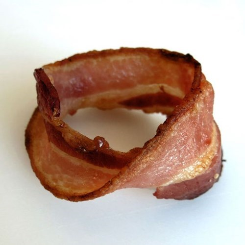 möbius strip,food,bacon