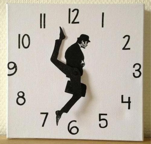 sign monty python clock - 8316038656
