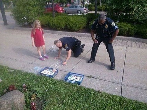 cops,random act of kindness,chalk,g rated,win