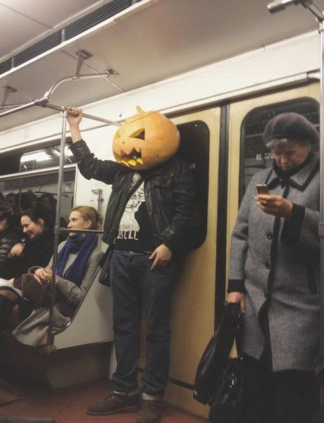 pumpkins,poorly dressed,halloween,jack o lanterns,Subway