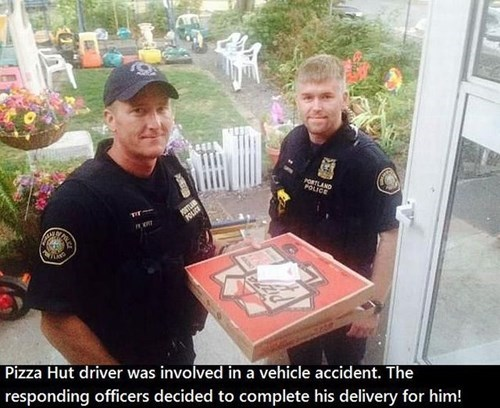food cops random act of kindness pizza restoring faith in humanity week - 8327484160