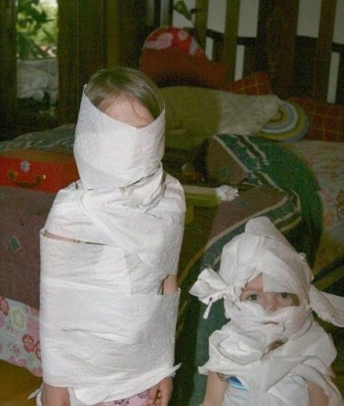 kids mummy toilet paper parenting - 8330405632