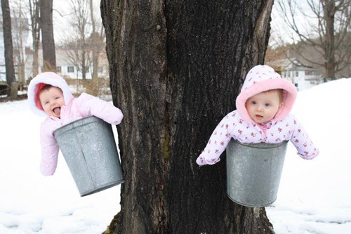 baby bucket snow parenting winter - 8332903168
