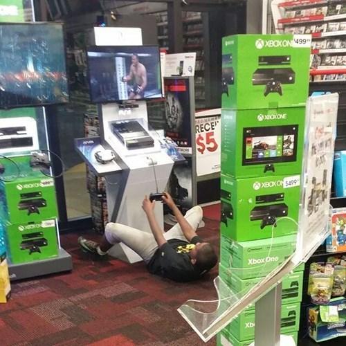 gaming gamers gamestop video games - 8332910080
