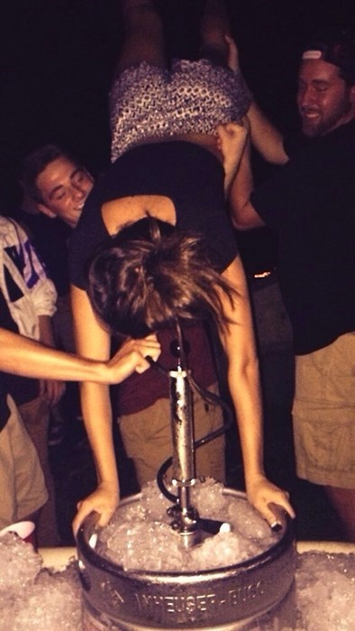 beer college funny keg stand - 8333297920