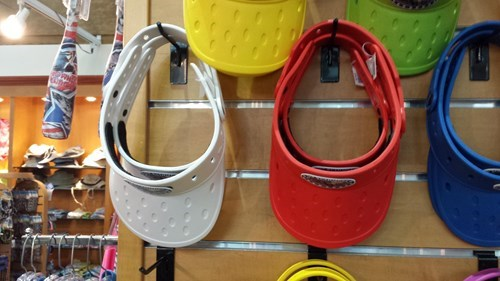 crocs poorly dressed visor g rated - 8334114560
