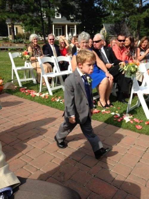 grumpy funny wedding photos kids expression parenting wedding - 8335079168