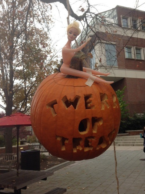 halloween miley cyrus pumpkins wrecking ball - 8336334080