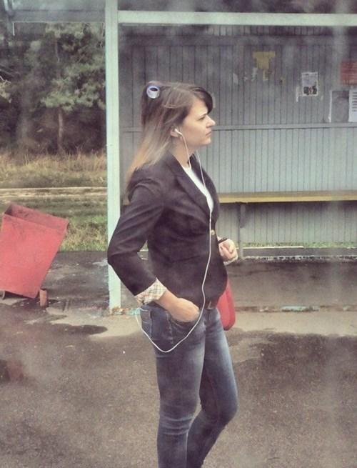 curler forgot poorly dressed - 8337217792