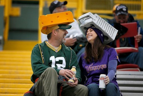 green bay packers poorly dressed minnesota vikings football hat g rated - 8339922432
