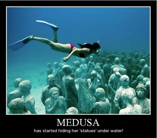 funny,statues,medusa