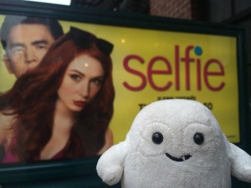 adipose,karen gillan,selfie