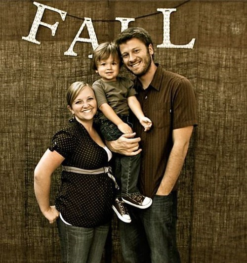 FAIL family photo parenting fall - 8347571456