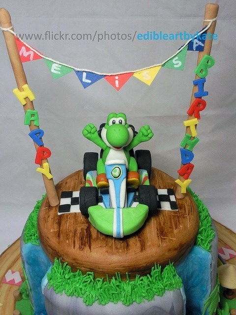 cake,Mario Kart,noms,video games,yoshi