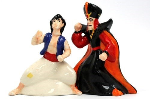 aladdin,disney,salt and pepper shakers