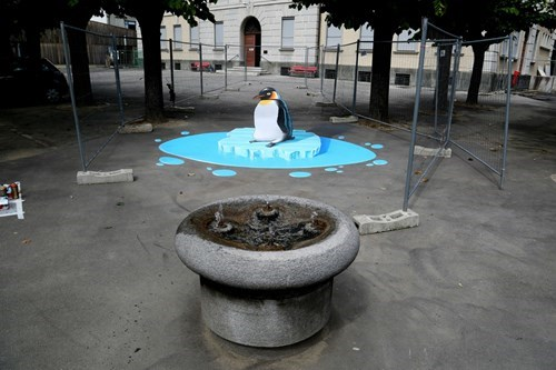 perspective,socially awkward penguin,Street Art,hacked irl