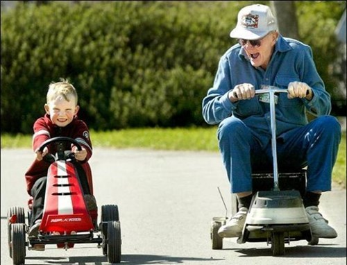 kids racing Grandpa parenting - 8356879104